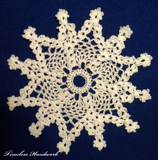 #QF07 Pineapple Snowflake by Timeless Handwork